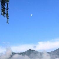Горы. Луна. :: Владимир Юдин