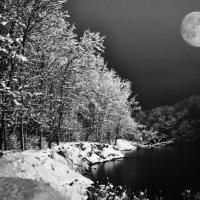 река,ночь,луна :: Владимир Иванов