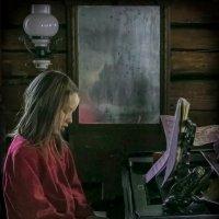 Девочка играет на рояле :: Павел Аксёнов