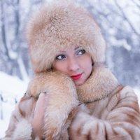Девушка - лисичка :: Ирина Корнеева