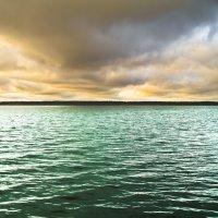 Рукотворное море... :: Сергей Голубцов