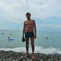 Я живу давно на всё готовым,ко всему безжалостно привык :: Равиль Хакимов