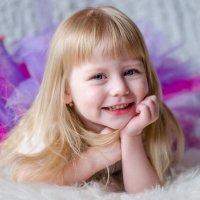 Мисс улыбка :: Elena Gubar