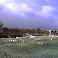 В приморском городе шторм :: Константин Николаенко