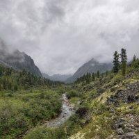 Троговая долина :: Виктор Никитин