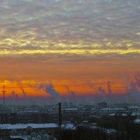 Рассвет над городом. :: Владимир