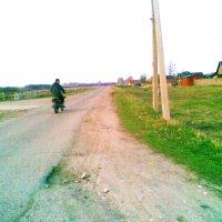 Деревенский мотоциклист :: Владимир Ростовский