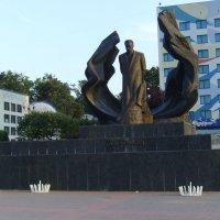 Памятник  Ивану  Франко  в  Ивано - Франковске :: Андрей  Васильевич Коляскин