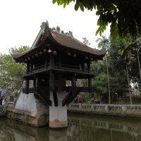 Храм на воде(Ханой Вьетнам) :: Василий