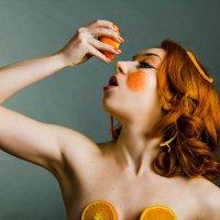 Клоун  - апельсин :: Николай Нестеренко
