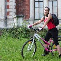 Катание на велосипеде :: Александр Иванов
