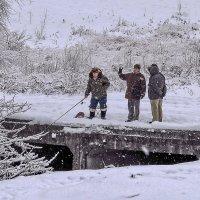 рыбак и группа поддержки :: Galina