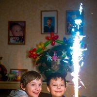 Яркое день рождение!!! :: Юрий Ишкин