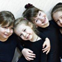 Эти девочки, которые танцуют... :: Ирина Данилова