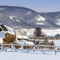 Деревня у холмов :: Любовь Потеряхина