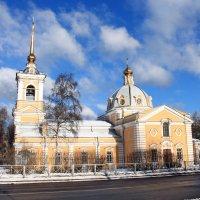Троицкая церковь в Красном Селе :: Алла Aпшиник