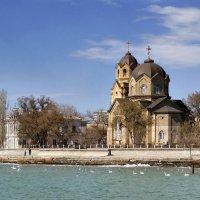 Вид на Свято-Ильинскую церковь :: Владимир Марчук