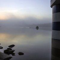 Вдоль берега :: Марина