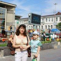Юля Бродская с сыном Лёвой :: Юрий А. Денисов