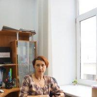 Катя Мельникова на работе :: Юрий А. Денисов