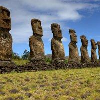 Группа статуй моаи :: Геннадий Мельников