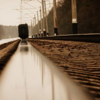 Вся наша жизнь — вокзал, синоним вечной суеты, А люди — поезда: приходят и уходят.... :: Саша Матвіюк