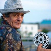 Портрет рыбака на закате :: Анастасия Богатова
