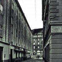 тихая улочка :: Владимир Хижко