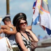 Девушка в беске- День ВМФ! :: игорь щелкалин