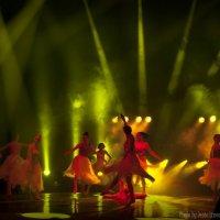 В танце :: Евгений Лимонтов