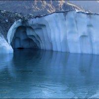 ледниковое озеро. Ледник Ю.Иныльчек :: Александр Волков