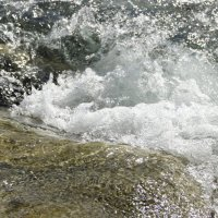 река и камень :: Александр Леонов