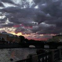 Тучи над городом :: Ольга Тихомирова