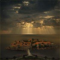 Остров Святого Стефана :: Виктор Перякин