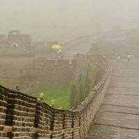 Вниз по Великой Китайской стене сквозь туман :: Ольга Антонюк