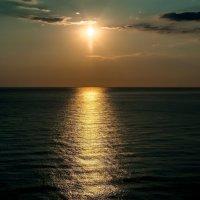 Закат на Чёрном море. :: Юрий Бичеров