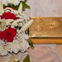Напрестольное Евангелие и фрагмент плащаницы :: Алексей Шаповалов Стерх