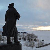 Памятник адмиралу  Кузнецову Н.Г :: Наталья Левина
