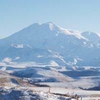 Эльбрус со стороны перевала Гум-Баши :: Александр Топчиев