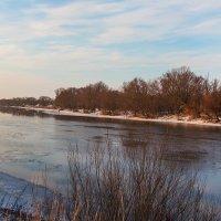 На реке зимой :: Юрий Стародубцев