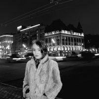 Люблю гулять по ночной Москве,когда тысячи огней сливаются в одну мелодию... :: Наталья Дмитриева