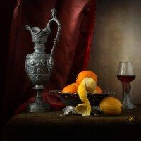 Натюрморт с ренессансным кувшином :: Татьяна Карачкова