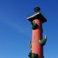 Ростральная колонна на стрелке Васильевского острова :: Валерий Новиков