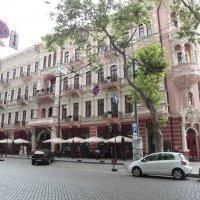 Розовое здание . Одесса. Июль 2011. :: Владимир Сквирский