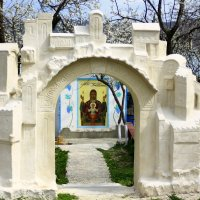 на территории храма Лаки :: Dusty Miller