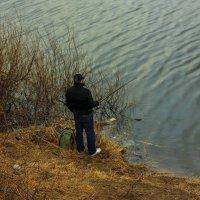 Рыбак в промзоне :: Игорь Вишняков