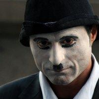 Почти Чаплин... (уличный аниматор) :: Николай Щеглов