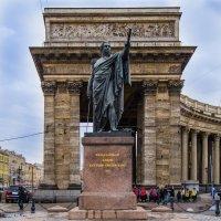 Памятник Кутузову :: Сергей Щербаков