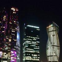 В Москве высотки смотрятся круче! :: Наталья Нарсеева