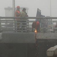Туман туманом, а работу работать надо. :: Владимир Гилясев